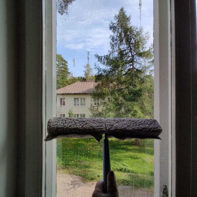 ikkuna-pestään-001-768x1024